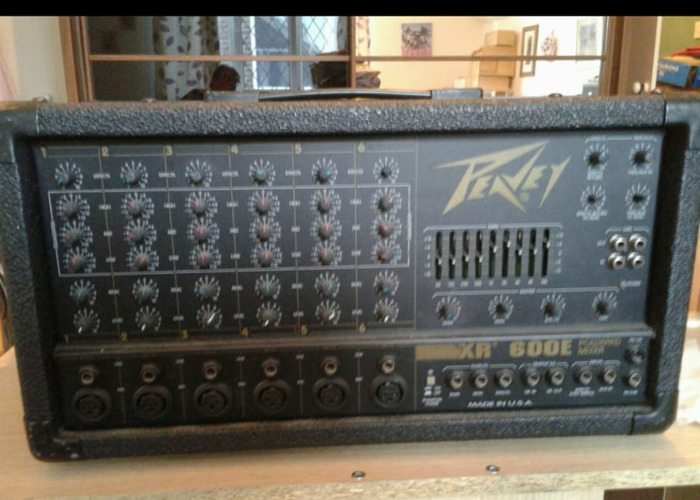 Peavey XR600E Powered Mixer. - 2