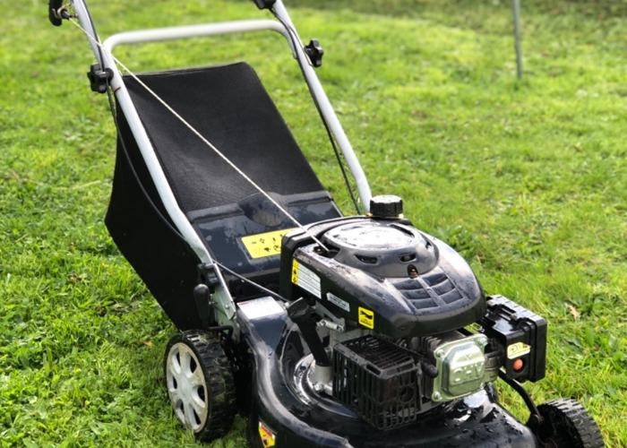 Petrol Lawn mower 139cc 40L grass collector  - 1