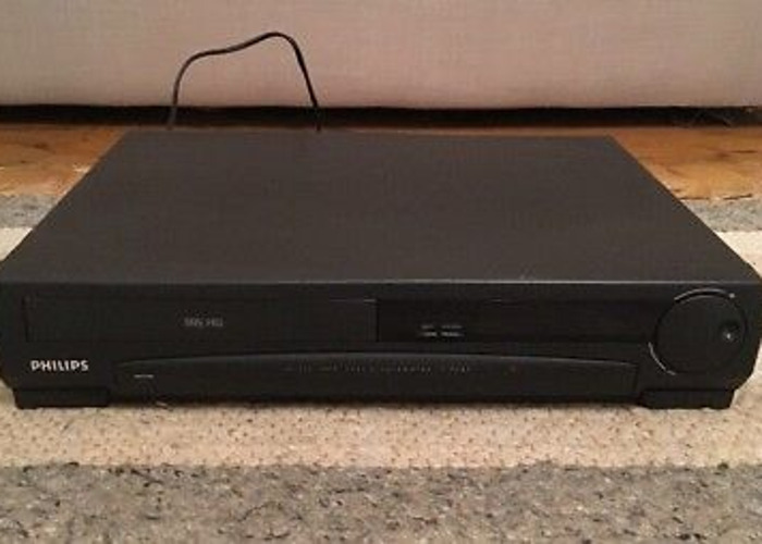 Philips VR 323 VHS Player/Recorder - 1