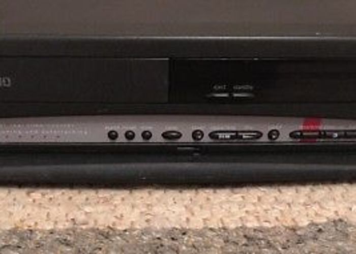 Philips VR 323 VHS Player/Recorder - 2