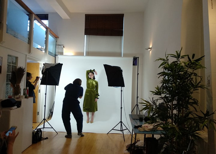 PHOTO AND VIDEO STUDIO *HALF DAY* HIRE - HIGH CEILING, IDEAL LOCATION FOR PORTRAIT PHOTOGRAPHY, VIDEOGRAPHER AND PHOTOGRAPHER - 1
