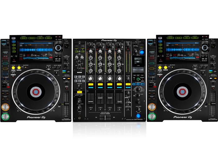 Pioneer 2x CDJ2000NXS2, 1x DJM900NXS2 Package - 1