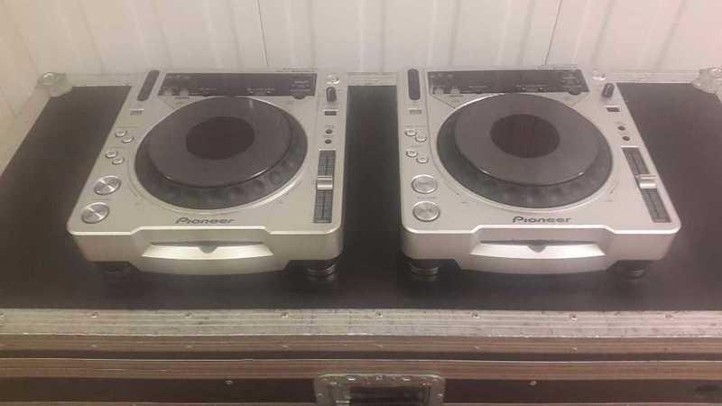Pioneer CDJ 800mk2 CD players ( pair ) - 2