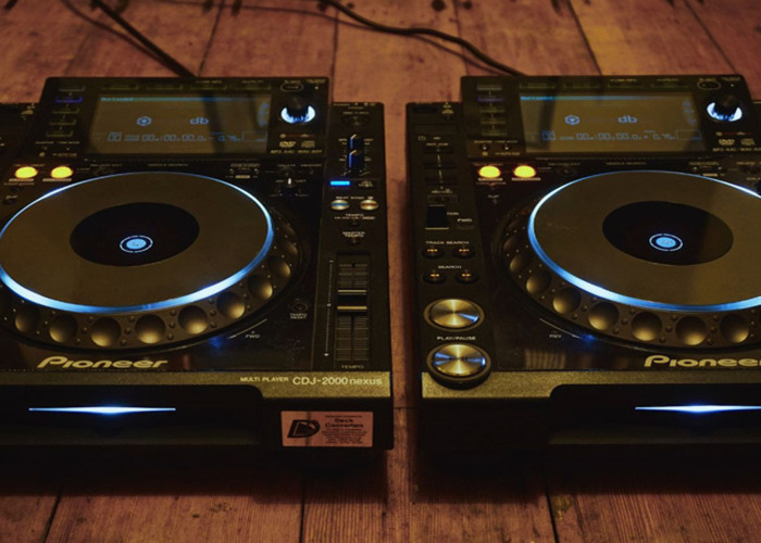 Pioneer CDJ Nexus 2000s x2, and Mackie Thump 15s - (Same Day Delivery Available) - 2