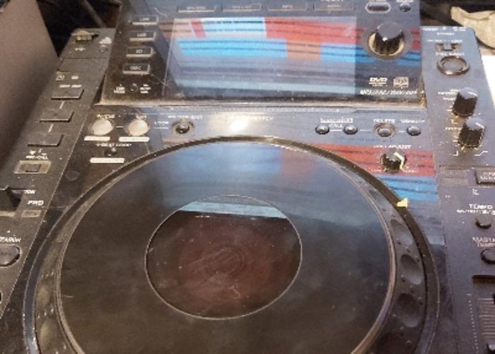 Pioneer cdj2000 - 1