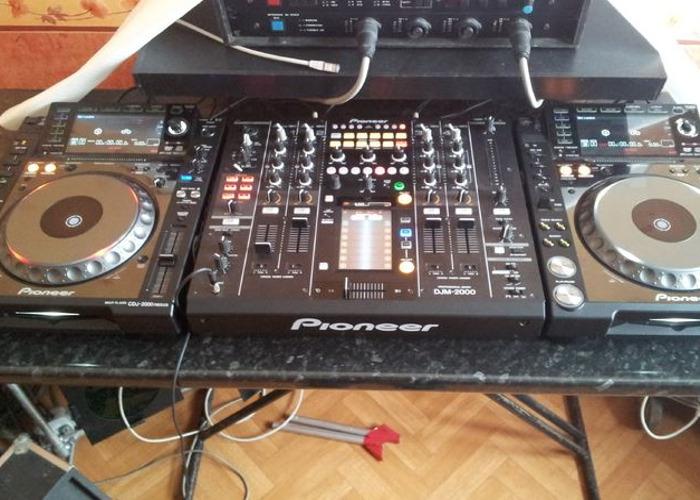 Pioneer CDJ-2000 and DJM-900 Package - 1