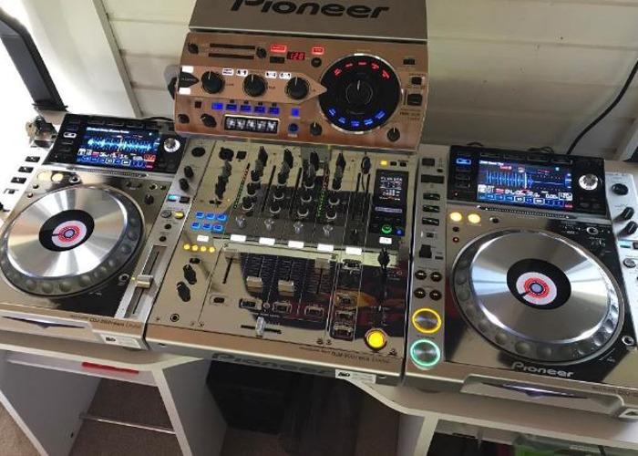 Pioneer CDJ-2000 Nexus  - 1