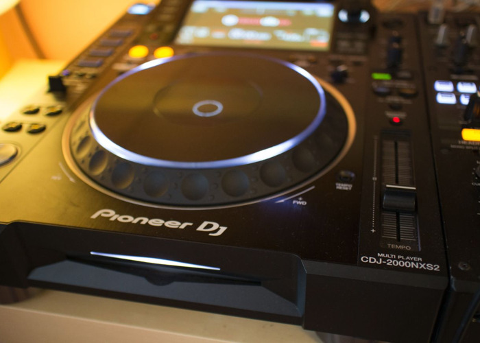 Pioneer CDJ-2000NXS2 Multi Player (Pair) - 1