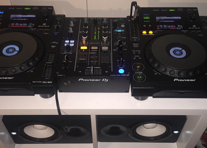 Pioneer CDJ900 x2 + DJM450 mixer - 1