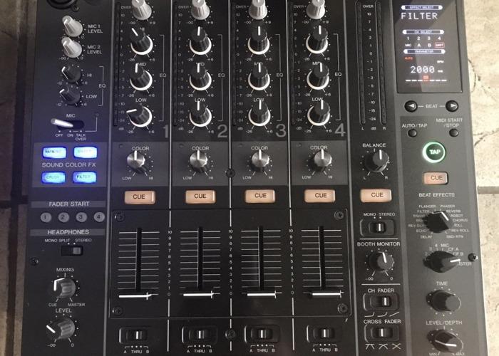 Pioneer DJM 800 - 4 Channel Mixer with Flight Case - 1