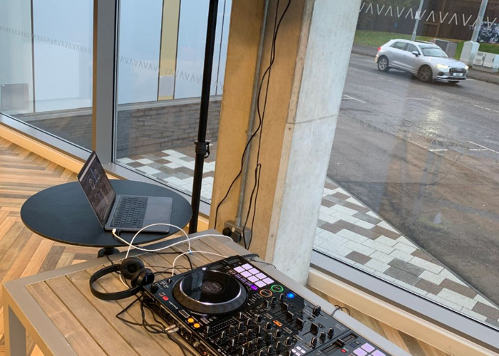 DJ PACKAGE: Pioneer Controller, Alto speakers and Equinox Booth - 1