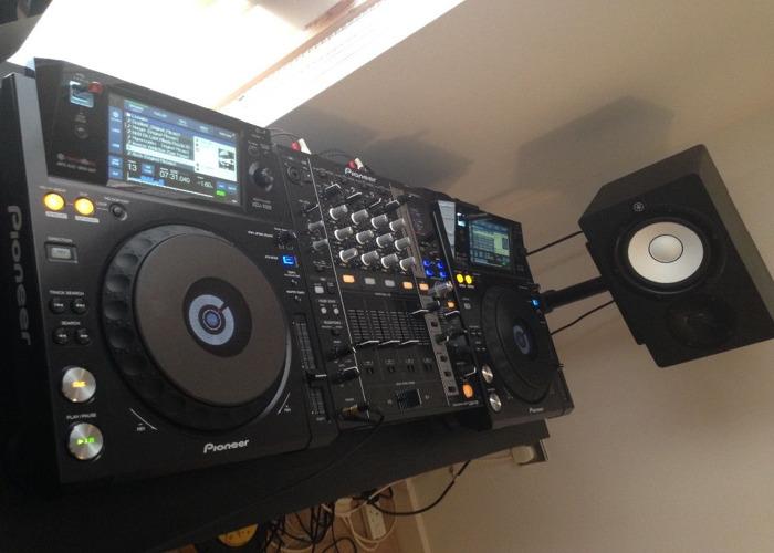 Pioneer XDJ 1000 DJ Set - 2