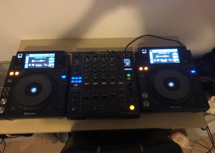 Pioneer XDJ 100's MK1 + DJM 900 Nexus Mixer - 1