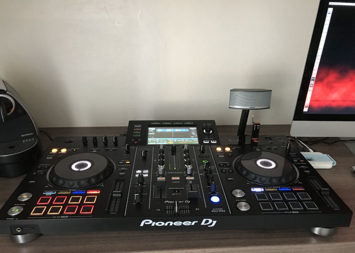 Pioneer XDJ RX2 turntables mixer controller - 1
