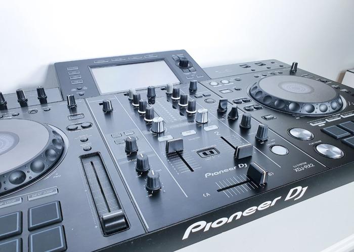 PIONEER XDJRX2 & DJCRX2 - 1