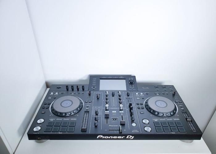 PIONEER XDJRX2 & DJCRX2 - 2