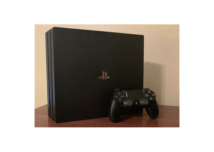 PlayStation 4 (Mint condition) - 1