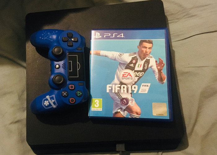 Playstation 4 with Fifa 19 - 1