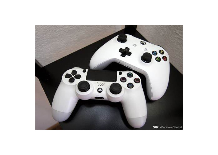 Playstation 4 with one controller and 2 games  - 1