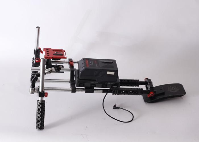 Pnc Prime Video Shoulder Rig With Swit V Mount Batteries 1