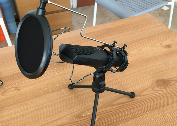 Podcast set: 2x Trust GXT 232 Mantis Streaming Microphone - 1