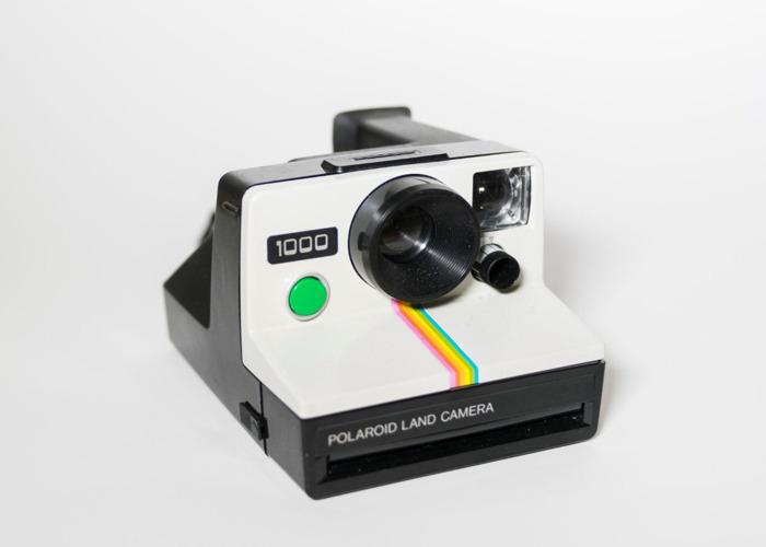 Polaroid 1000 camera green button + SX70 film - 2