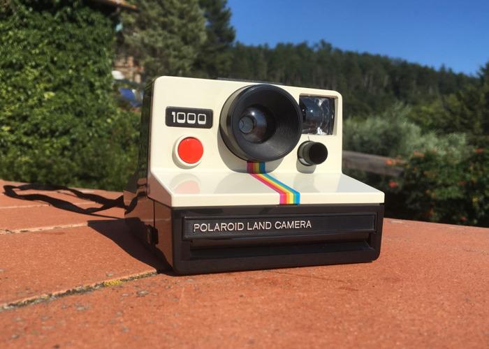Polaroid 1000 Land Camera - 1