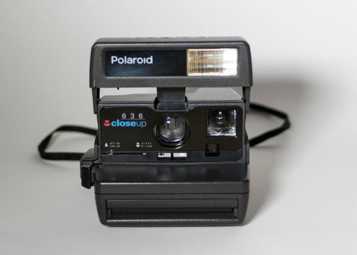 Polaroid 636 Close Up + 600 film - 1
