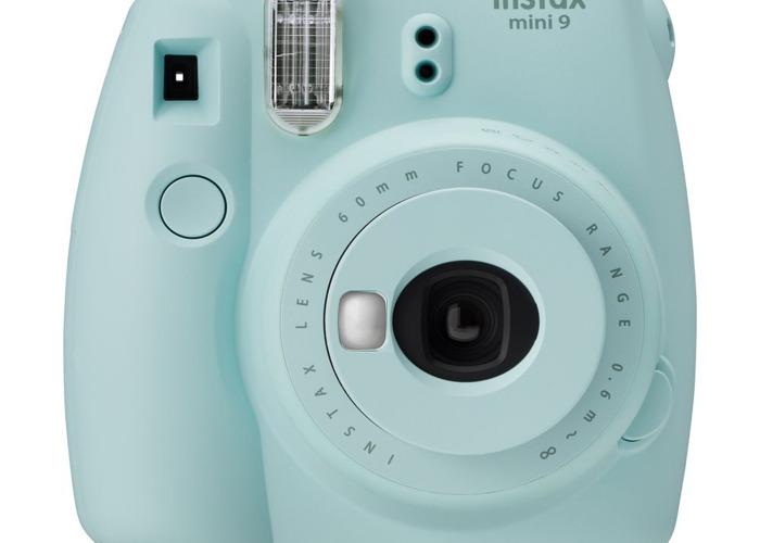 Polaroid Camera - 1