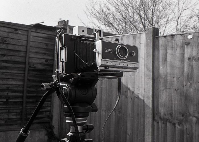 Polaroid Land 250 Instant Film Camera - 1