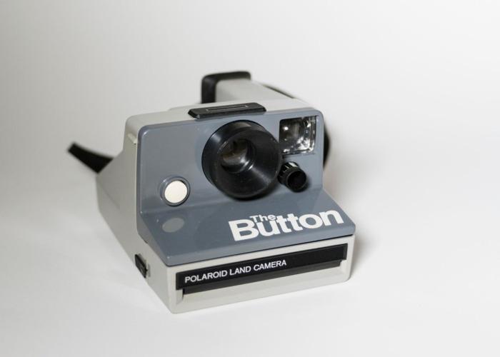 Polaroid The Button + SX 70 film - 2