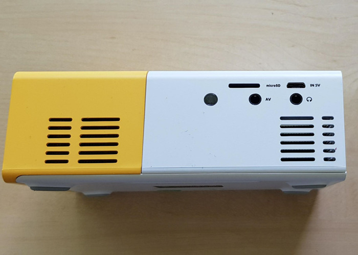 Mini proyector portátil - 2