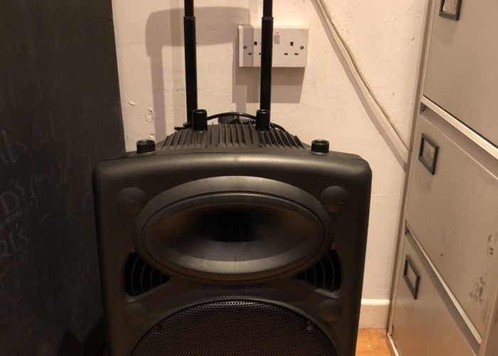 Portable PA speaker with x2 wireless microphones  - 1