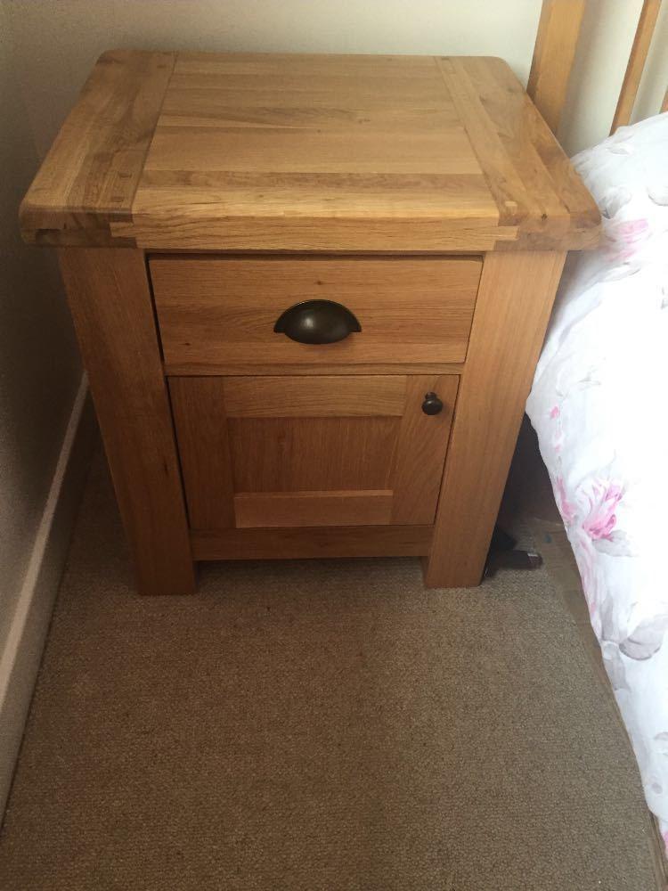 Solid oak bedside tables x 2 - 1