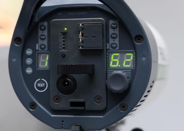 Priolite MBX 500 Hot Sync Ultra Pro Studio Strobe - 2