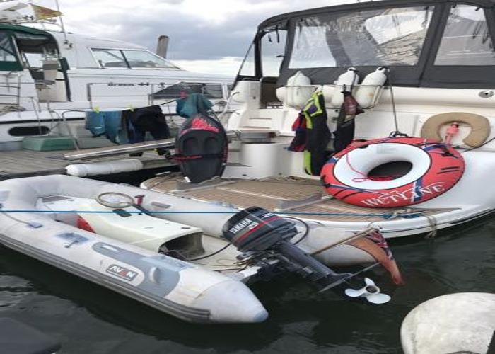 Private romantic Essex river boat trip including champagne - 1