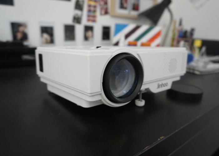 Projector 300inch + Screen + Netflix - 1