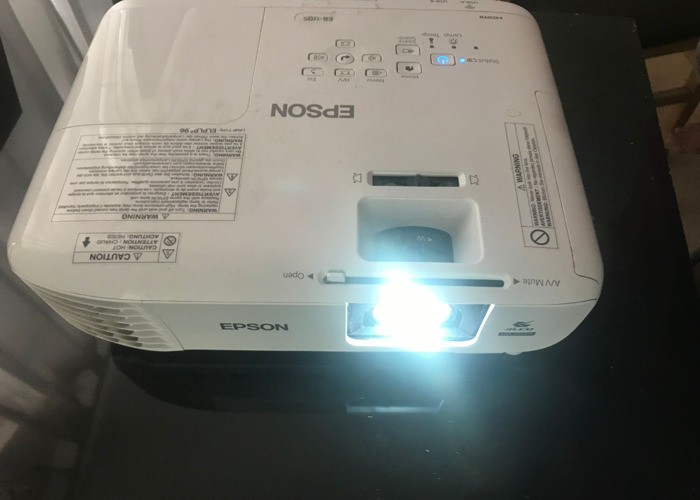 Projector  HD, 3400 Lumens 300 Inch Display Epson EB-U05 Ful - 1