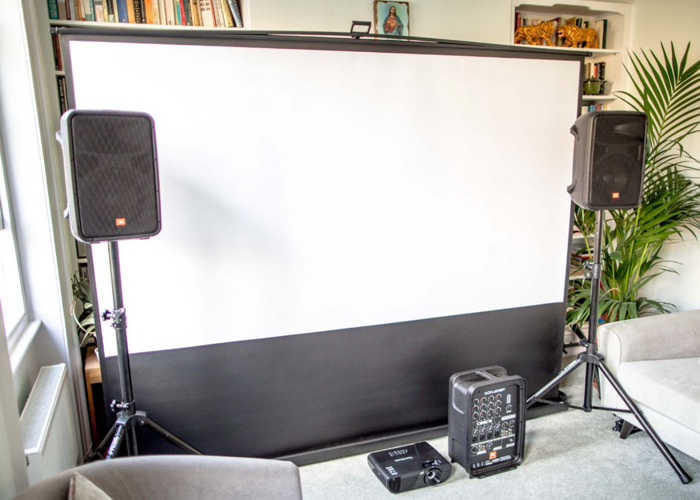 projector + projector screen (2.5m x 1.5m) + speakers - 2