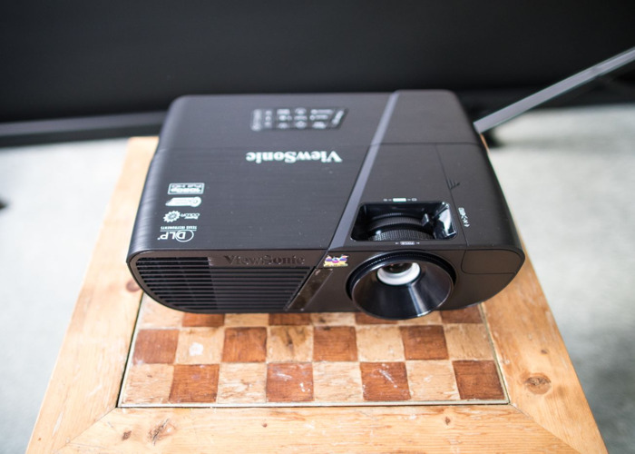 Projector Bright ViewSonic PJD7820HD 3200 Lumens / projector hire in London - 1