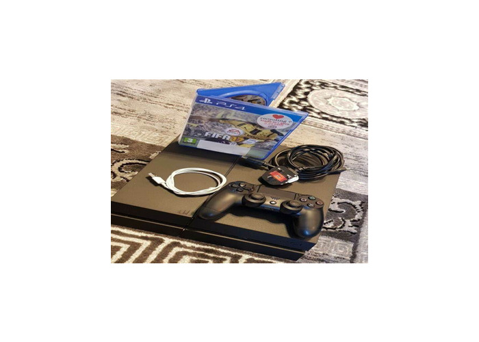 PS4 Black 500GB With Controller - 1