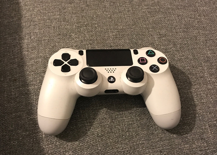 PS4 Controller  - 1