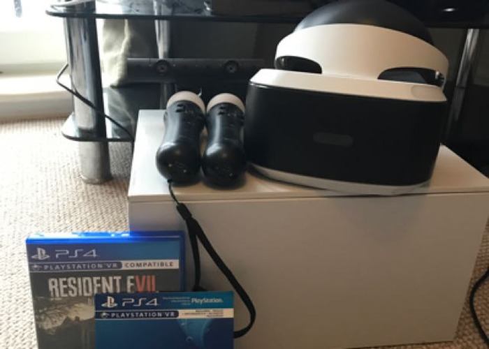 PS4 VR Head Set And Game. - 1