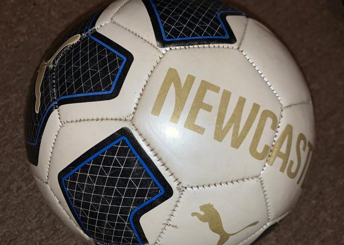Puma Newcastle Ball size 5 - 2