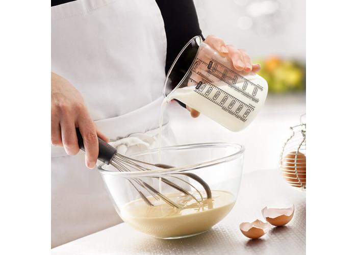 Pyrex 750 ml Kitchen Lab Measure and Mix Beaker - 2