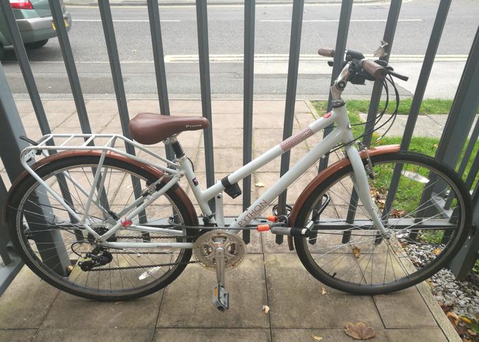 Python Ladies Hybrid City Bike - 1