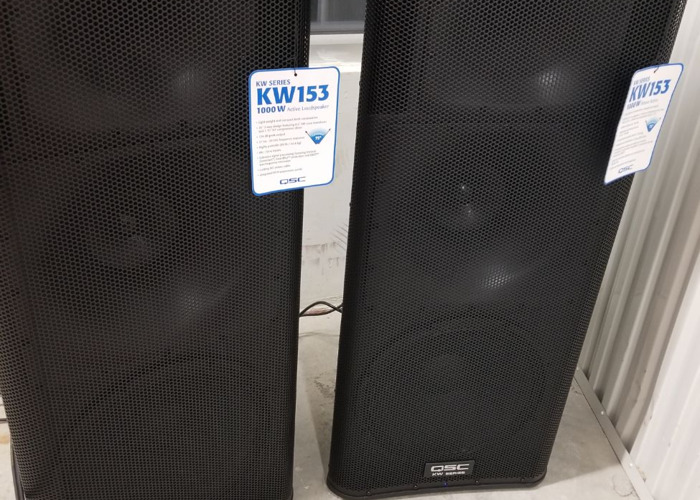 QSC KW SPEAKER SYSTEM- w KW153 tops (free delivery) - 1