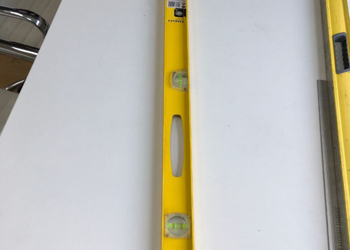 Quality 1 Metre Spirit Stanley Level with measuring stick - 1