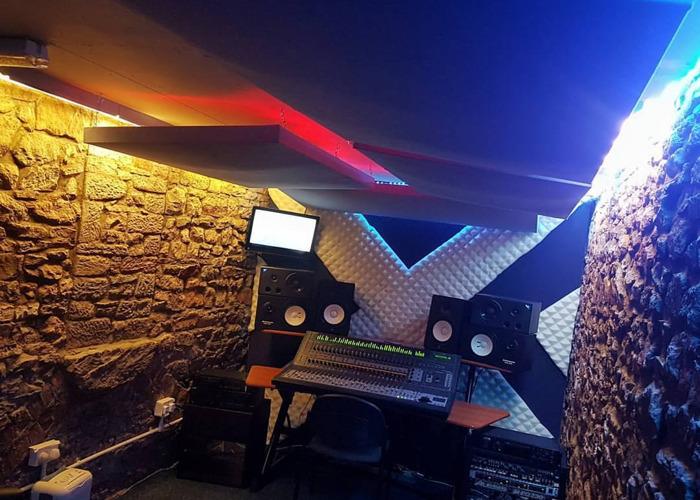 Recording Studio + Live Room - 2