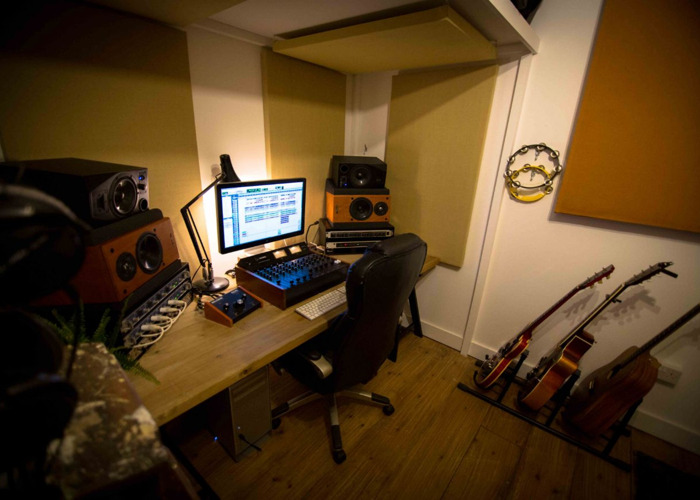 SMALL RECORDING STUDIO/WRITING ROOM/PRODUCTION SPACE - 2